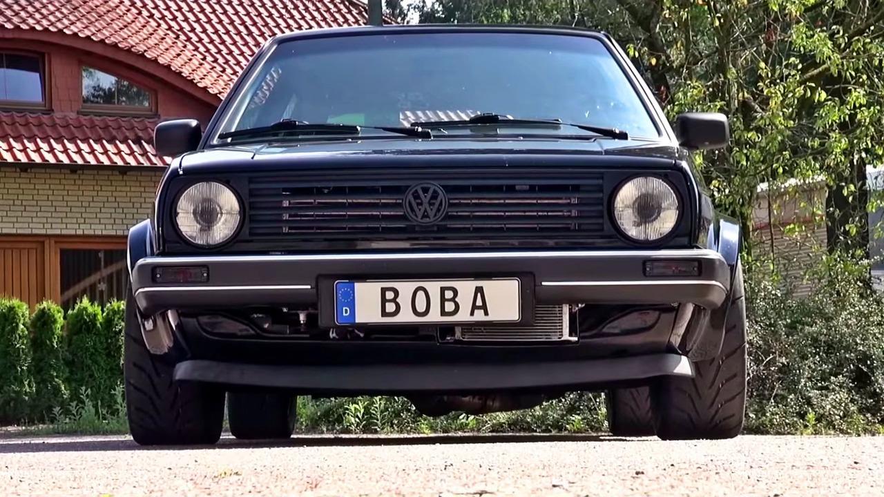 Volkswagen Golf Mk2 vs Bugatti Chiron