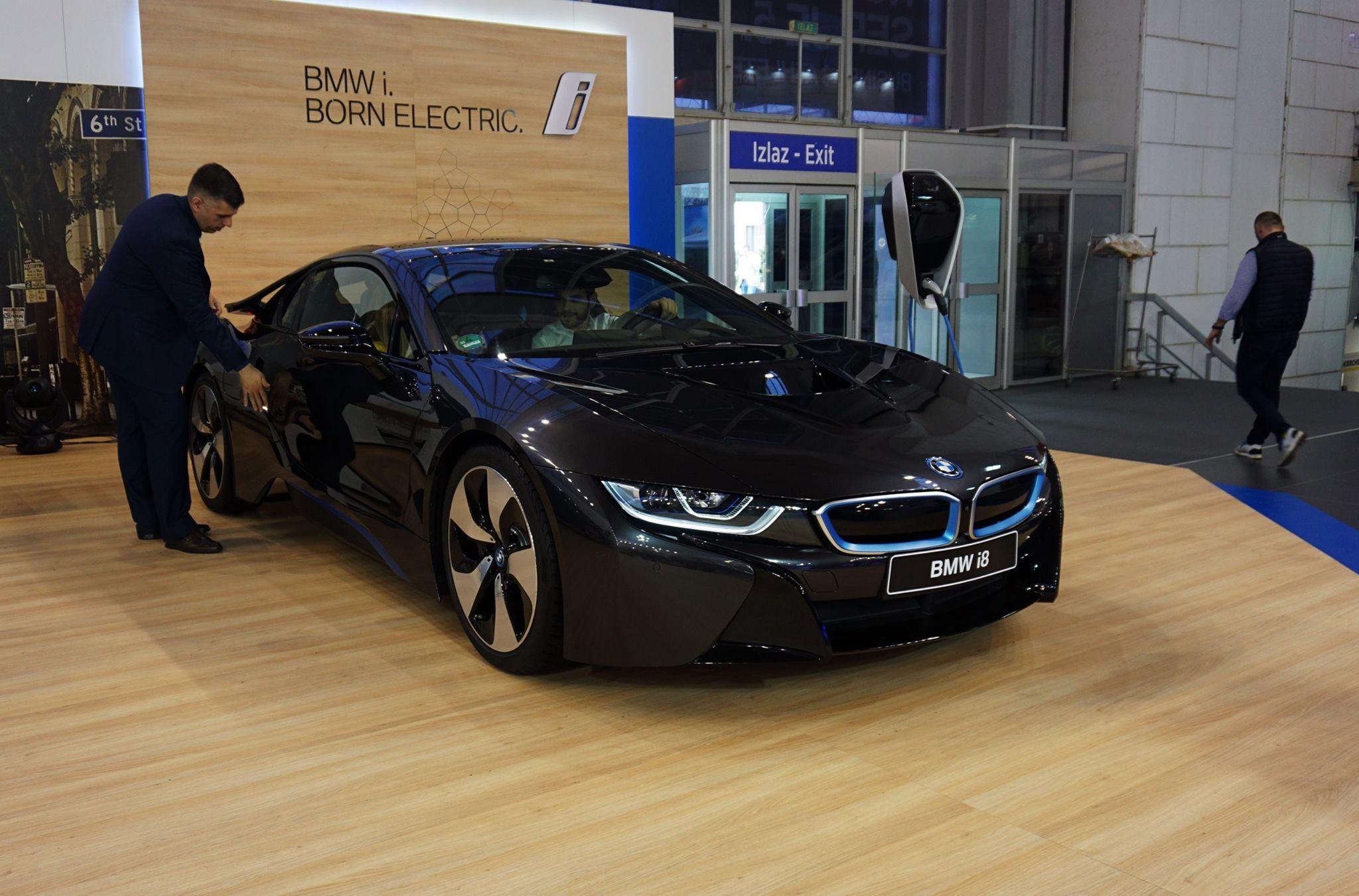 BMW fokus stavlja na elektrifikaciju aktuelnih modela