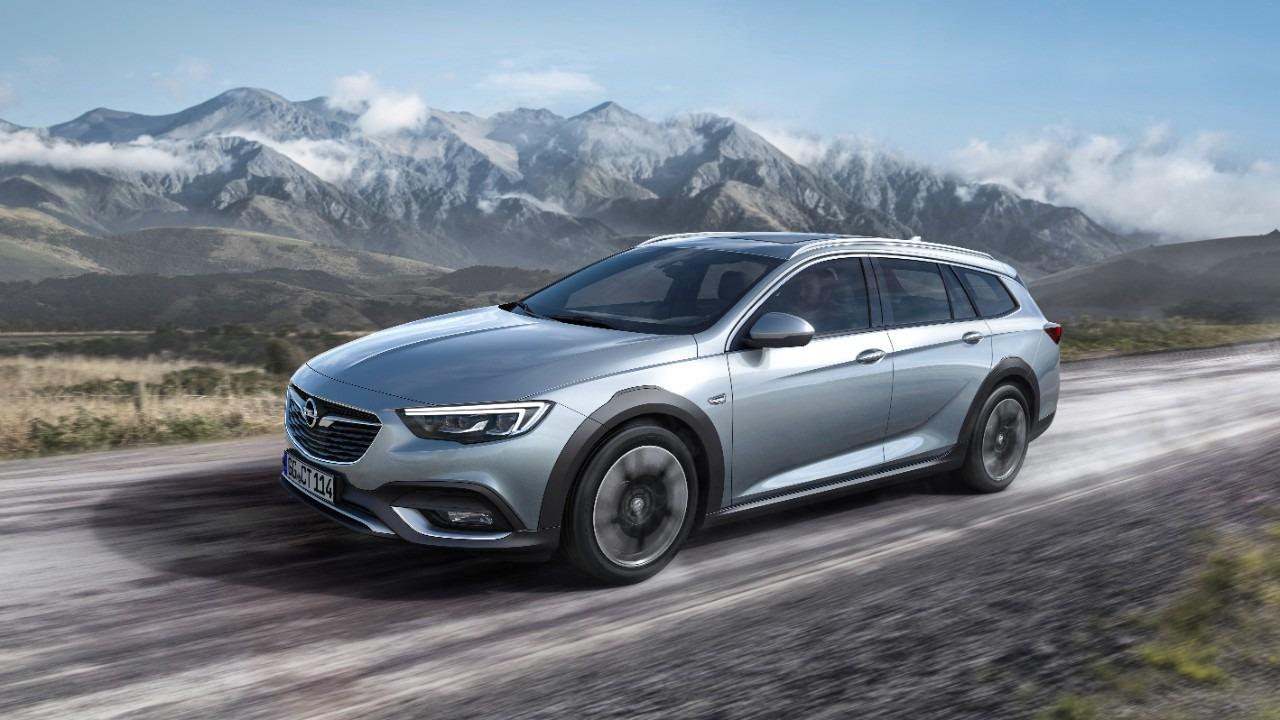 """Opelova perjanica sa """"off-road"""" apelom: Nova Insignia Country Tourer"""