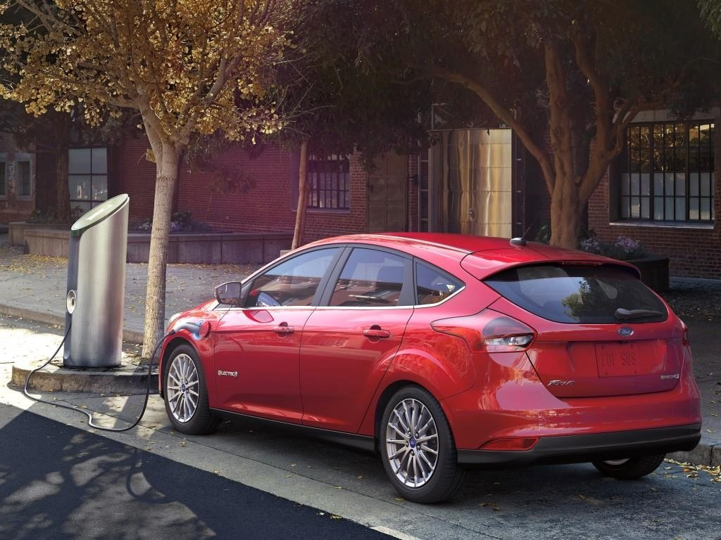 Ford ukinuo proizvodnju električnog Focusa, okreće se hibridnim LCV modelima
