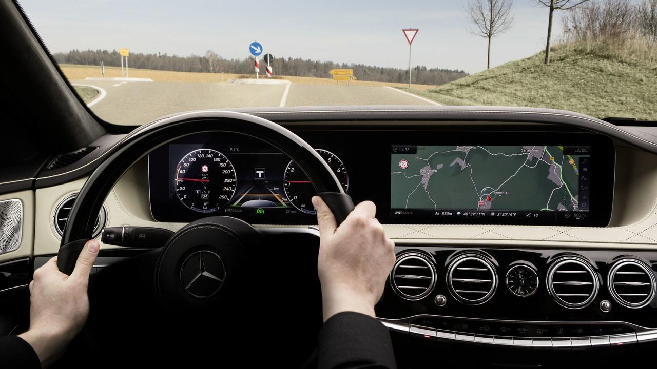 Enterijer restilizovanog Mercedes-Benza S klase