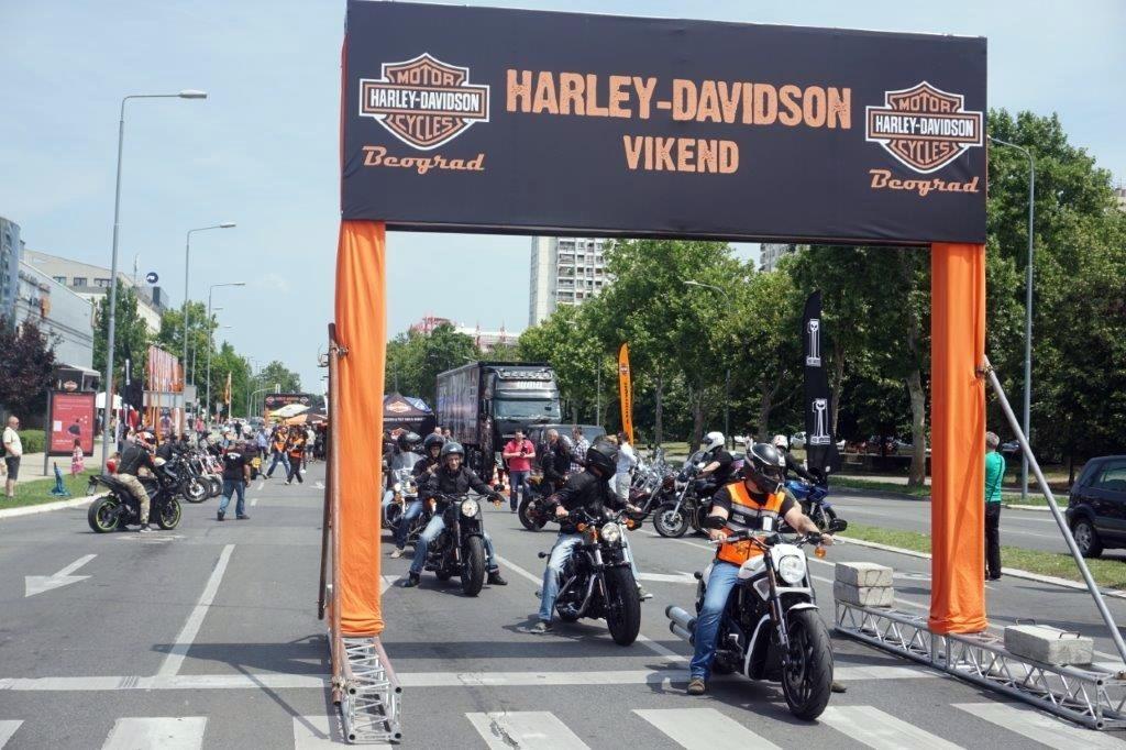 Harley demo vikend uz neizbežni Jeep