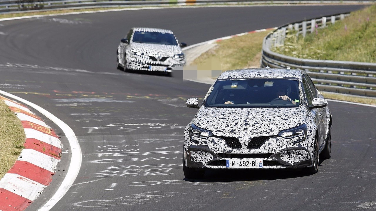 Renault Megane RS sa 4Control sistemom (video)