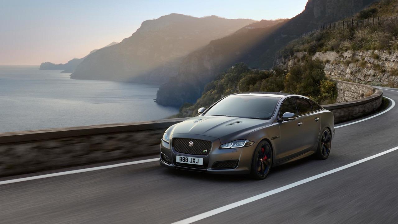 Jaguar lansirao XJR575 supersedan (video)