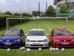 Volkswagen ist bereit für die EM 2016 in Frankreich: Golf Variant im Zeichen der Trikolore
