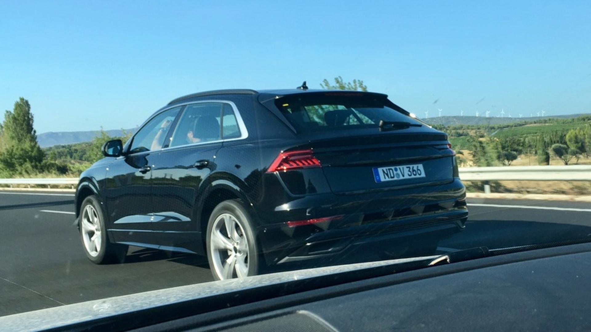 Audi Q8 spažen gotovo bez ikakve kamuflaže