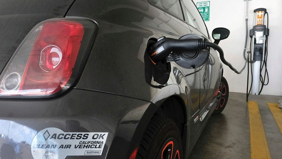 Kalifornija razmatra zabranu SUS motora