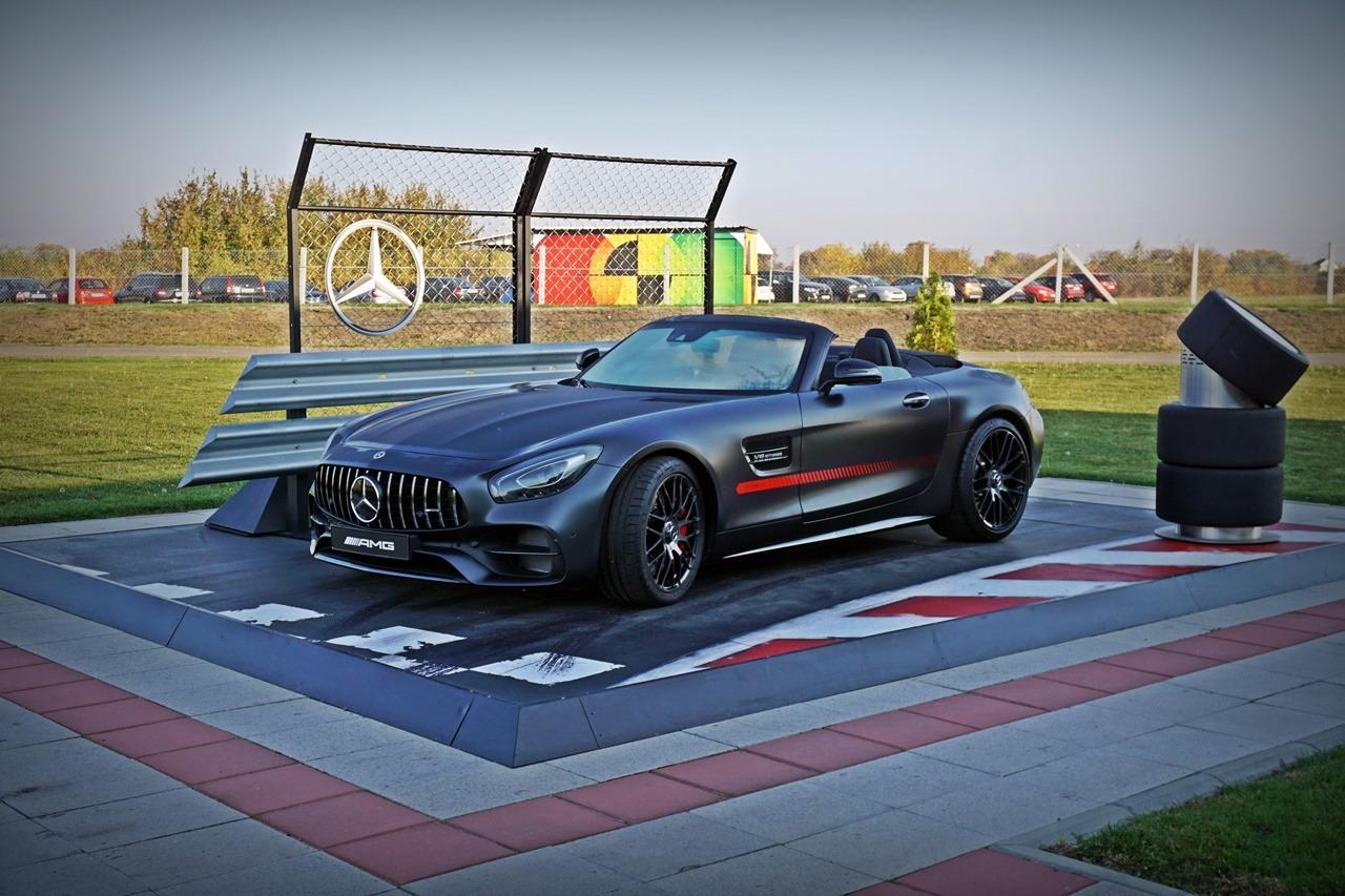 Mercedes is She – (ali) Benz is He (galerije i video)