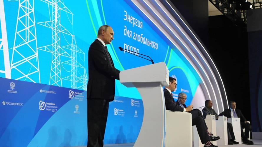 Vladimir Putin: motori s unutrašnjim sagorevanjem su još uvek bolji