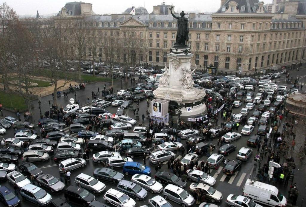 Pariz zabranjuje vozila s motorima s unutrašnjim sagorevanjem do 2030.