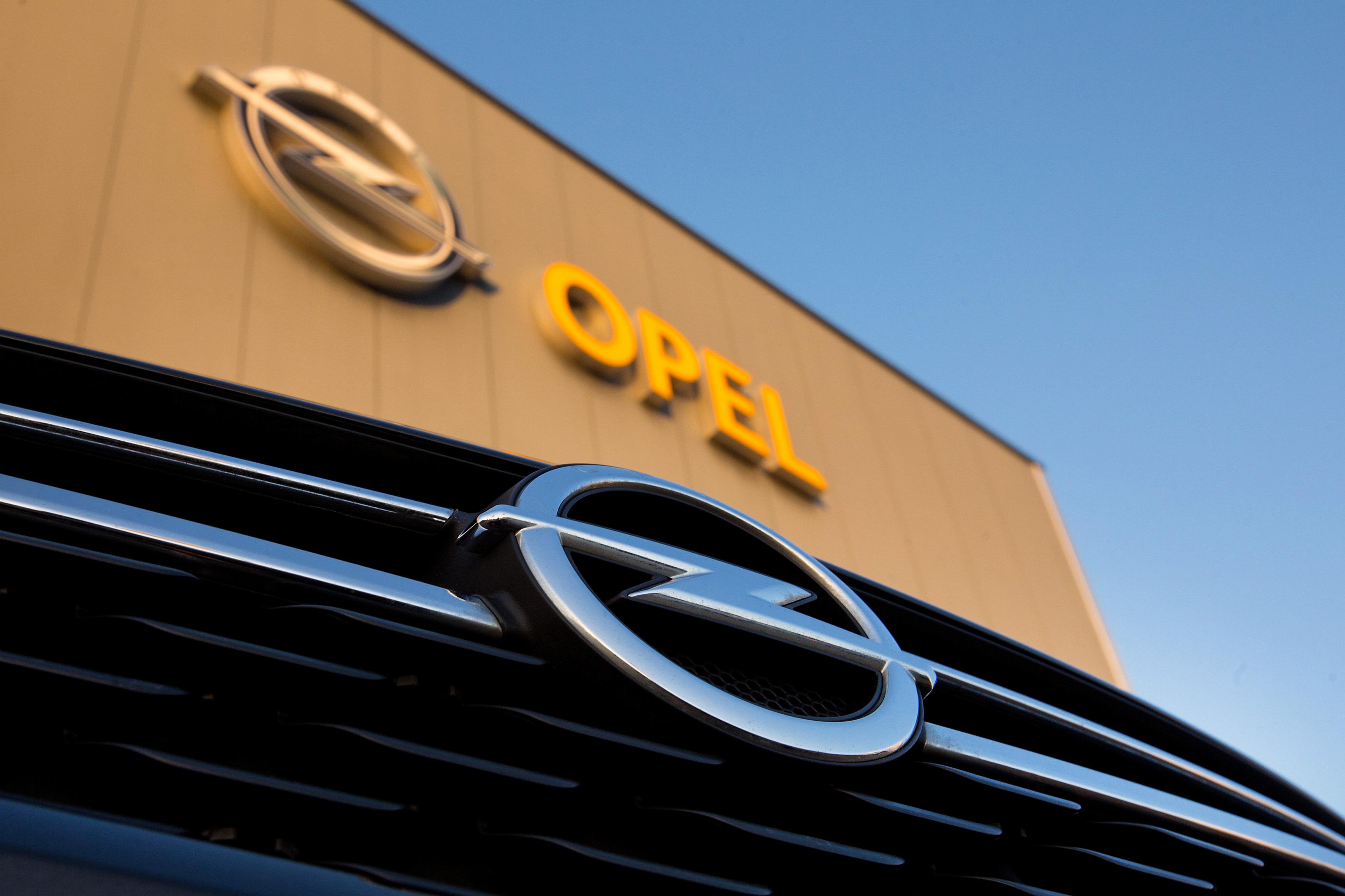 PSA zahteva povraćaj polovine novca od GM-a