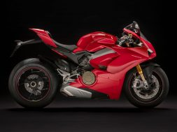 2018-ducati-panigale-v4-first-look-specs-24