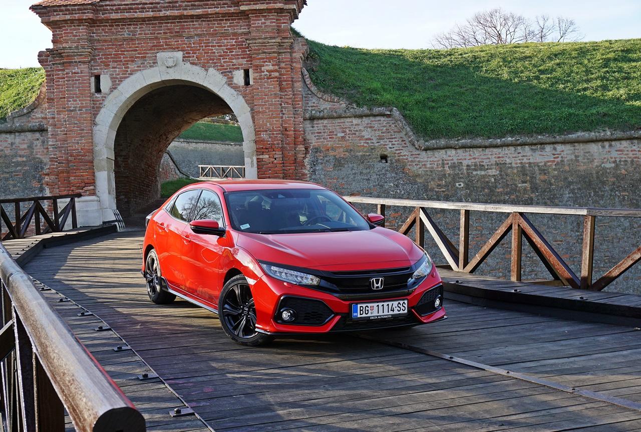 Honda Civic 1.5 Turbo MT Sport – Rapsodija u crvenom