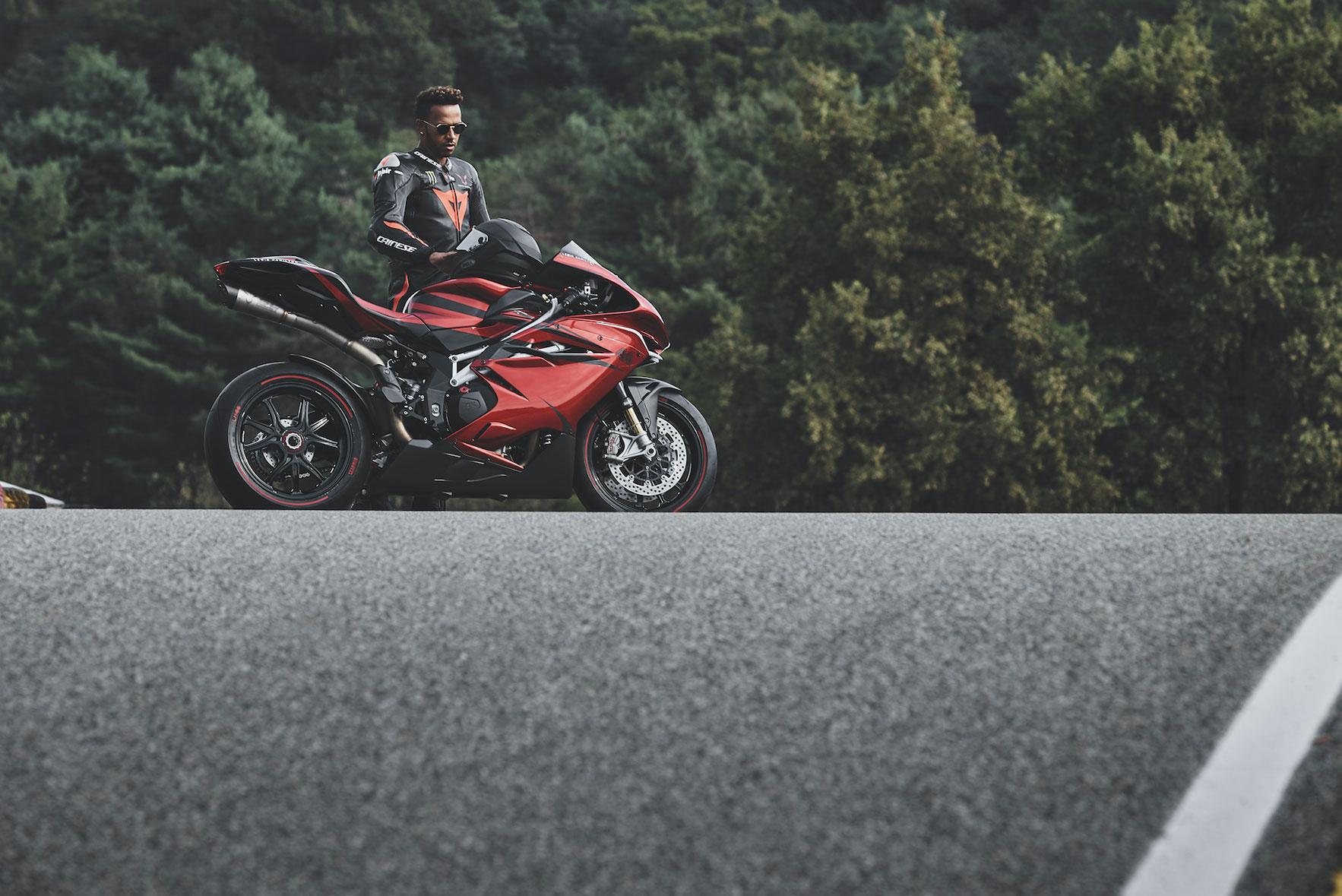 Hamilton provozao sopstvenu specijalnu ediciju MV Agusta (video)