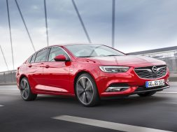 100,000 orders for new Opel Insignia