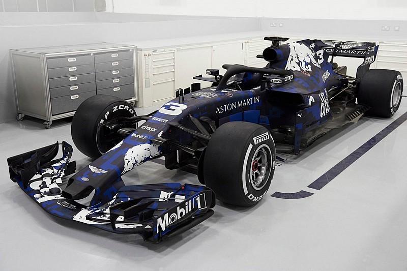 Red Bull predstavio bolid