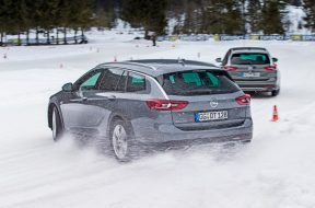 Opel Insignia Country Tourer with high-tech 4×4