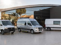 2018-MERCEDES-BENZ-SPRINTER-18C0050_01