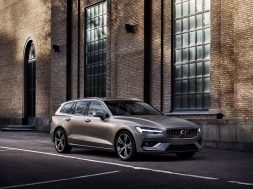 2019-volvo-v60-officially-unveiled-sexy-wagon-gets-to-phev-engines_21