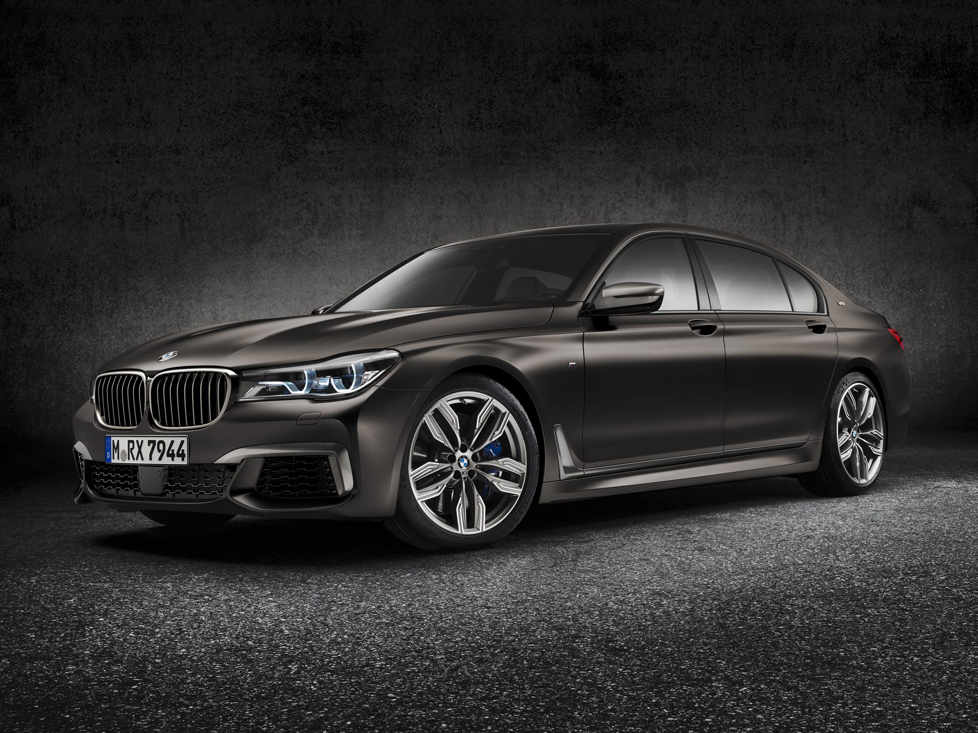 Kraj za BMW M760Li zbog emisije štetnih gasova?