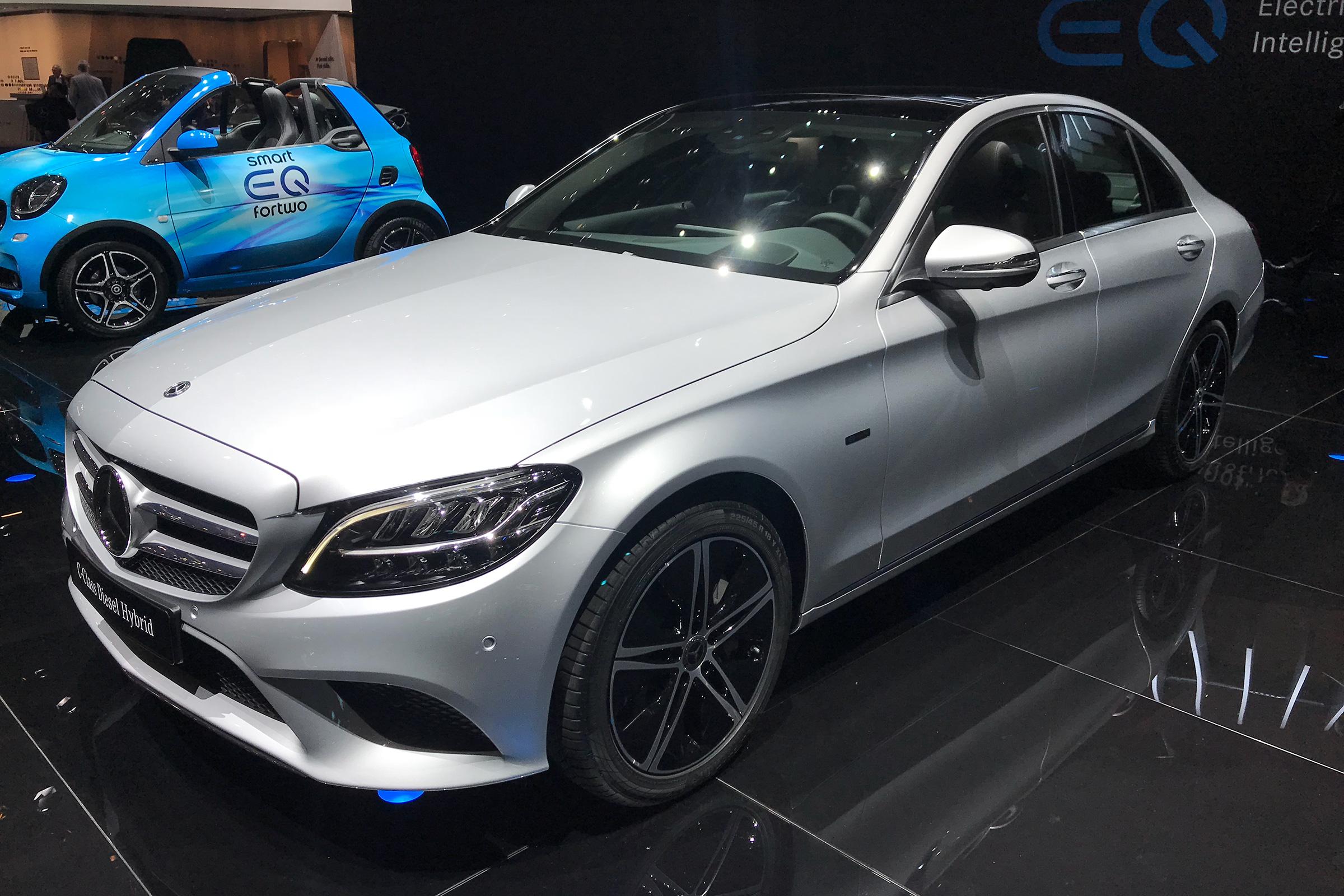 Mercedes predstavio restilizovanu C klasu u Ženevi (galerija)