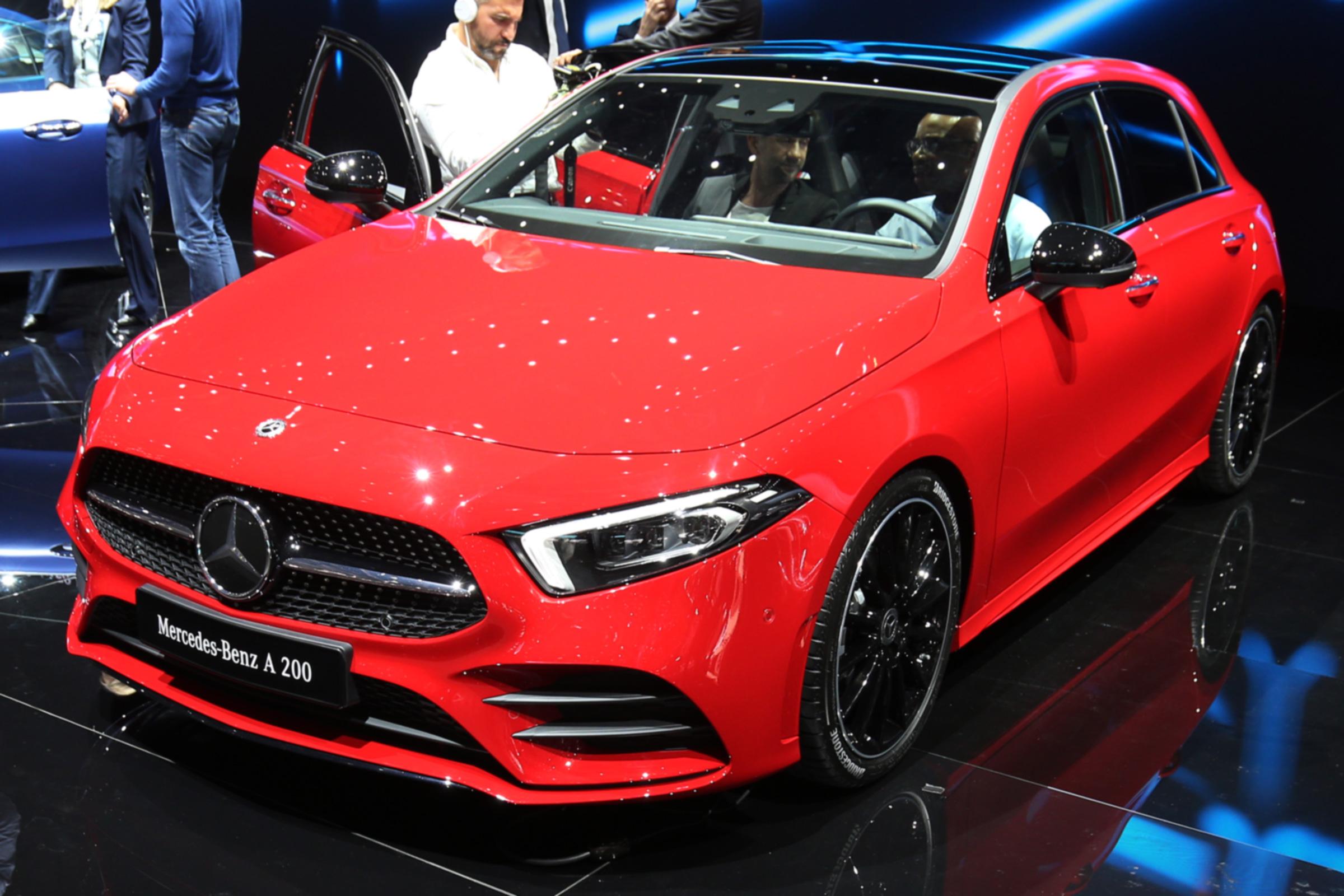 Mercedesov hot heč debituje u Parizu
