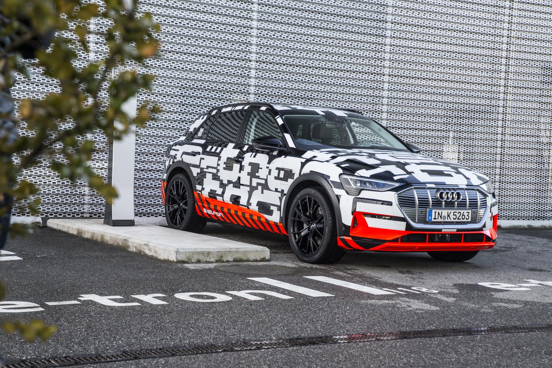 Audi odlaže premijeru novog E-Trona