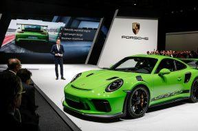 Porsche-911-GT3-RS-21