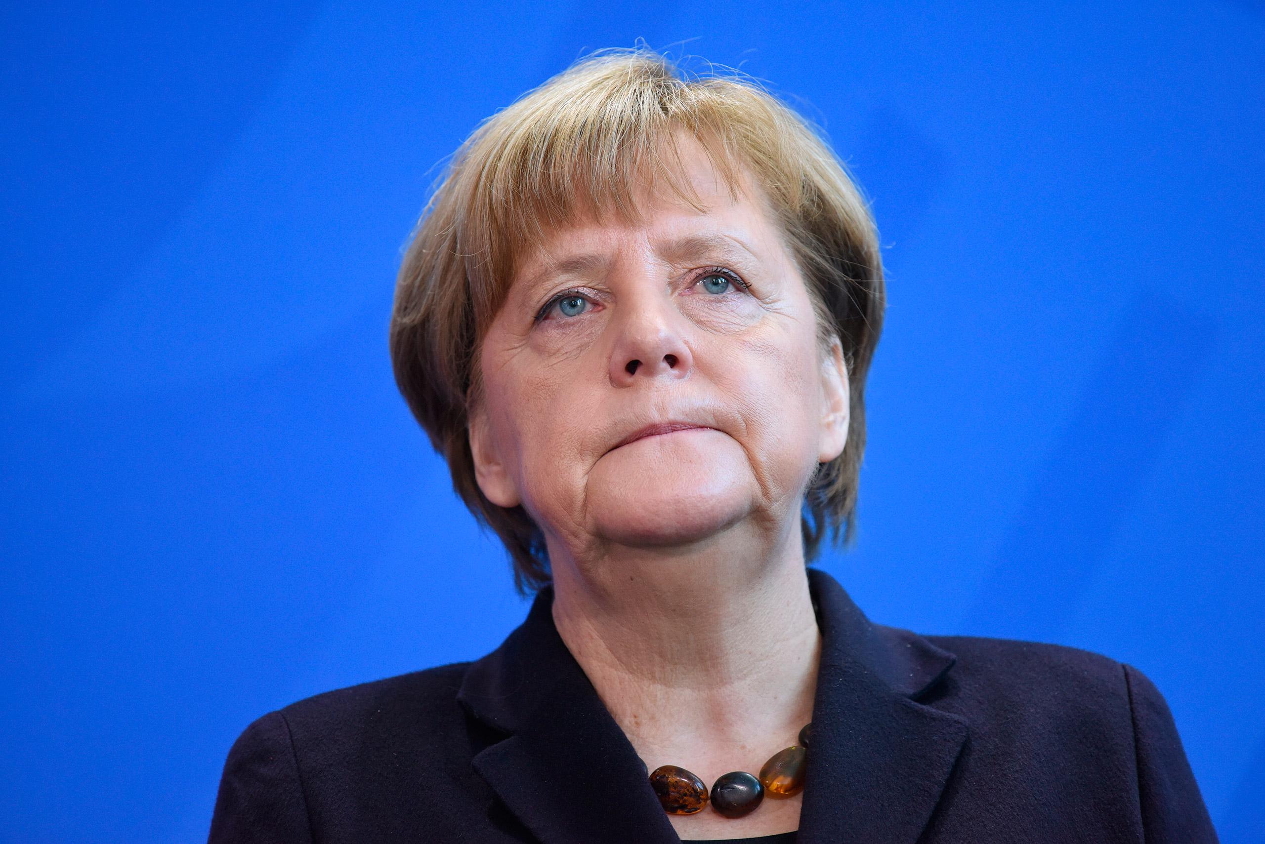 Merkel: Svaki grad da pronađe individualno rešenje za dizel