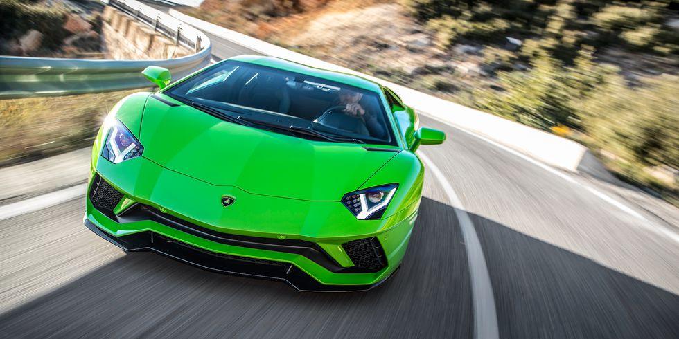 Serijski automobili sposobni da razviju više od 320 km/h