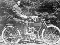 201804on-motorcycles-1912