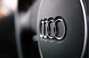 6904124-audi-logo-on-car (1)