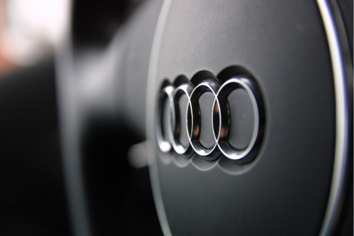 Audi S8 stiže sa V8 motorom iz Porschea