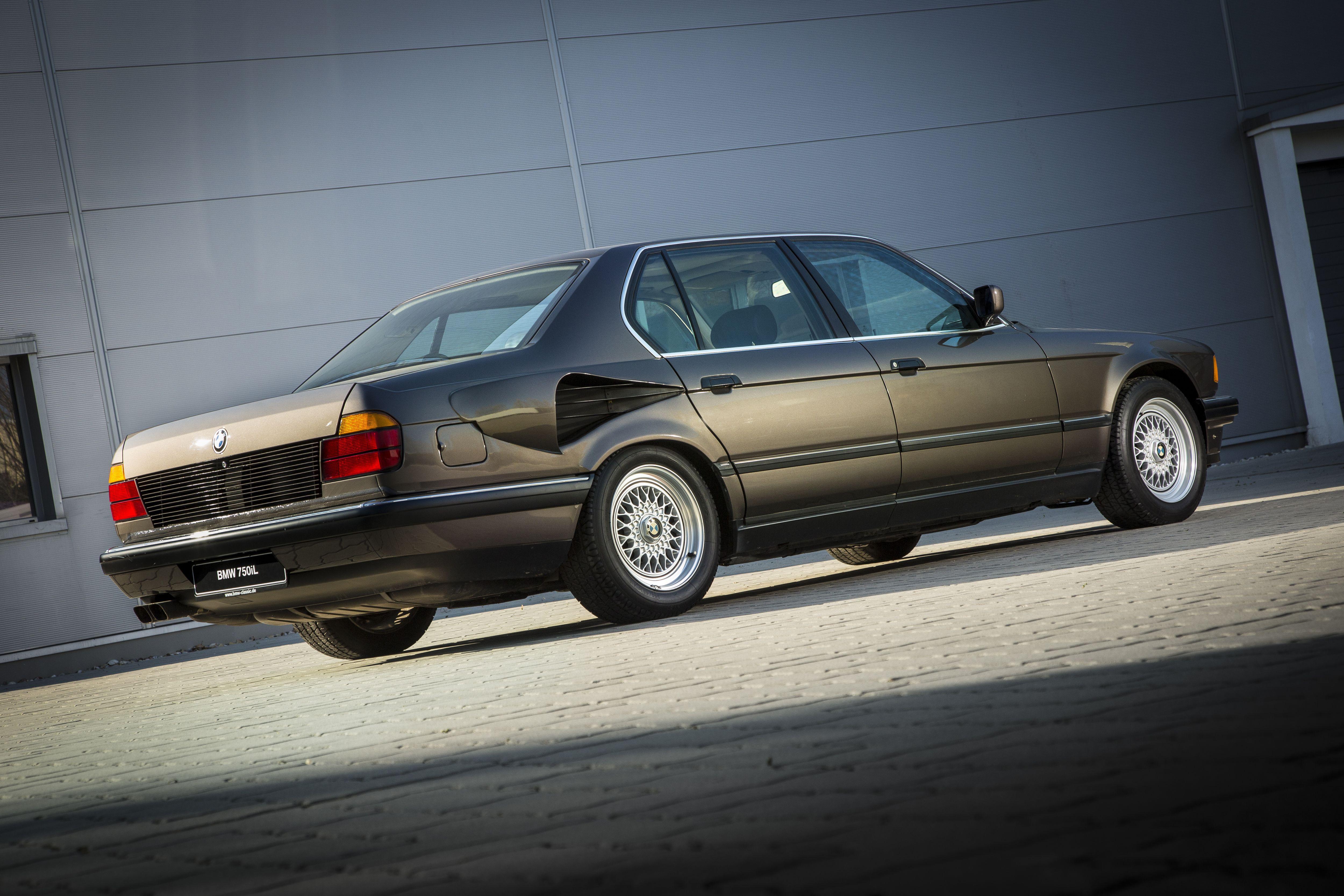 Zanimljivost dana: Zlatna ribica – V16 motor marke BMW