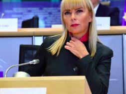 Elzbieta_Bienkowska-879×485