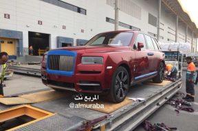 Rolls-Royce-Cullinan-3-2-830×553