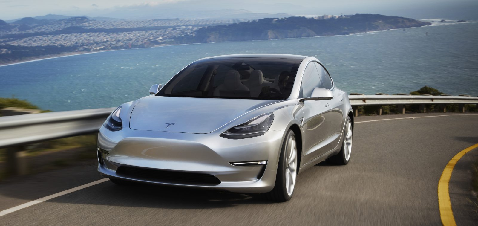 Tesla Model 3 konačno debituje pred Evropljanima