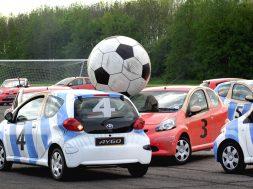 01_football_cars