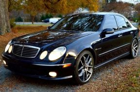 2004_Mercedes-Benz_E-Class