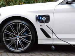 BMW-530e-011-low-res