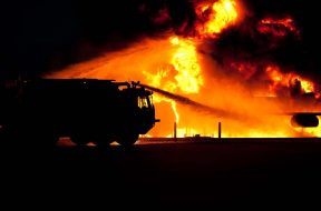 fire-fire-truck-firefighter-68138