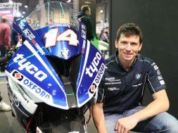 superbike-rider-dan-kneed-dies-after-isle-of-man-practice-crash-126017_1