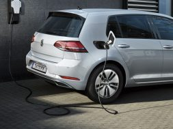 volkswagen-to-accelerate-solid-state-battery-development-126538_1