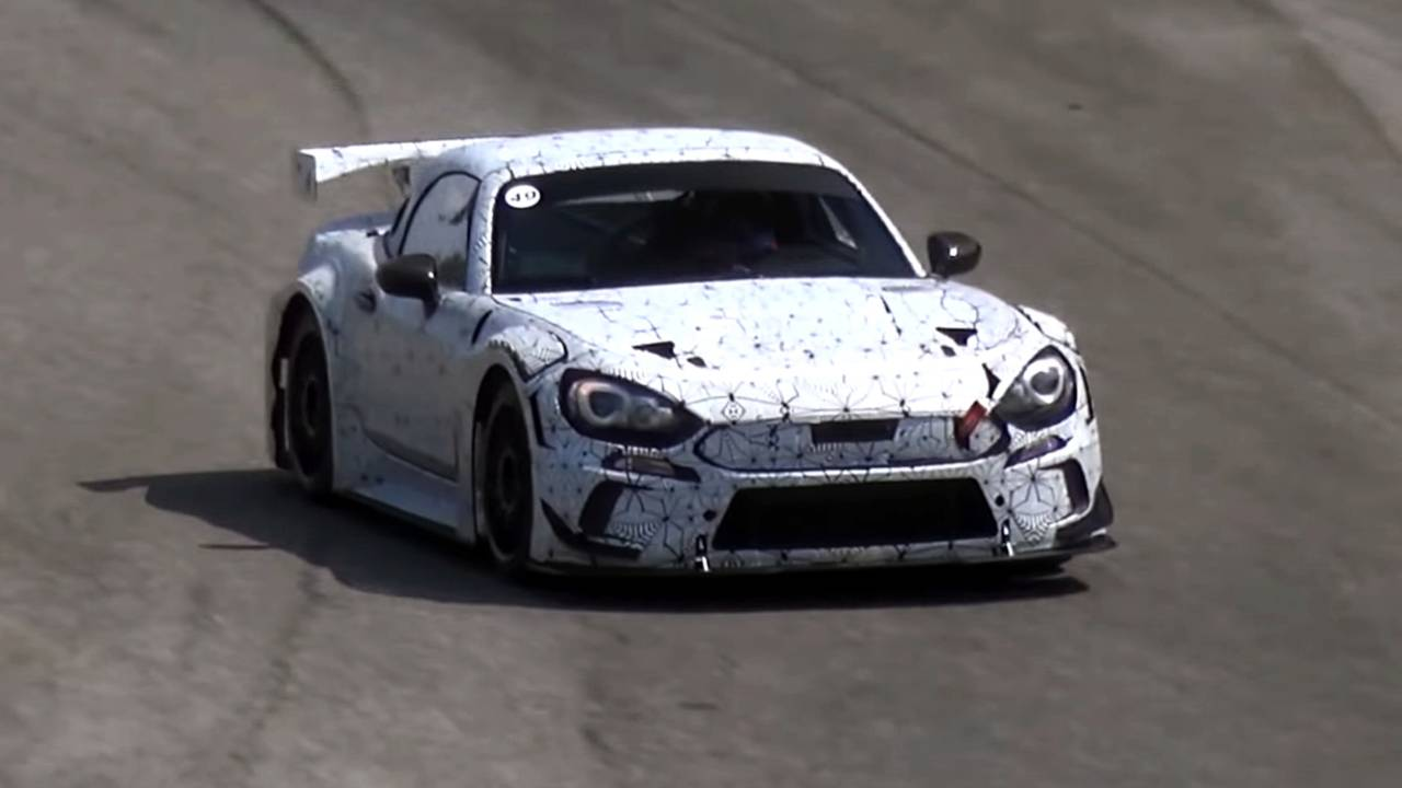Abarth 124 GT4 na stazi Monca (VIDEO)