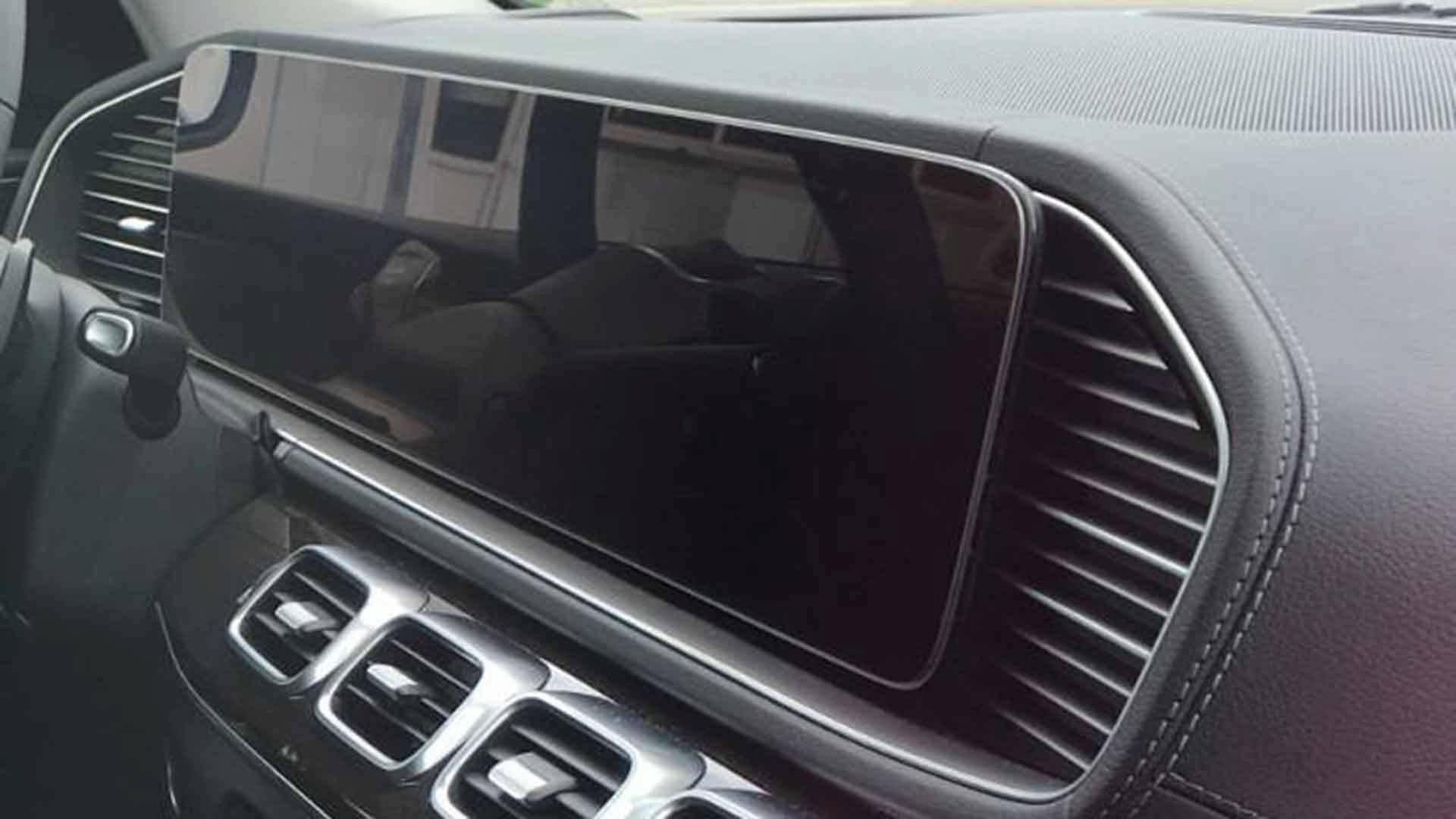 Tablet postavka nove generacije Mercedes-Benza GLE (FOTOGRAFIJE)