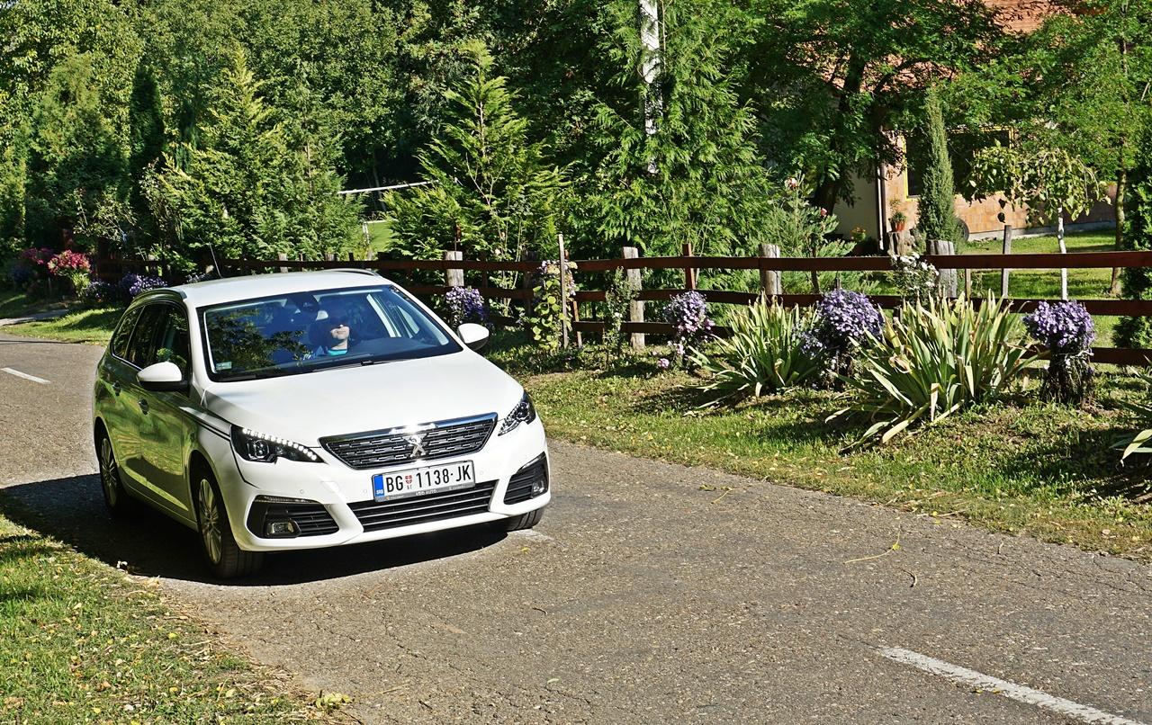 Obustavljena proizvodnja Peugeota 308 zbog deficita menjača na lageru