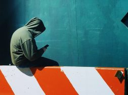p-1-why-no-one-at-gm-is-allowed-to-walk-around-with-their-smartphones