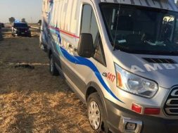 woman-steals-ambulance-leads-police-on-high-speed-chase-for-no-apparent-reason-127895_1