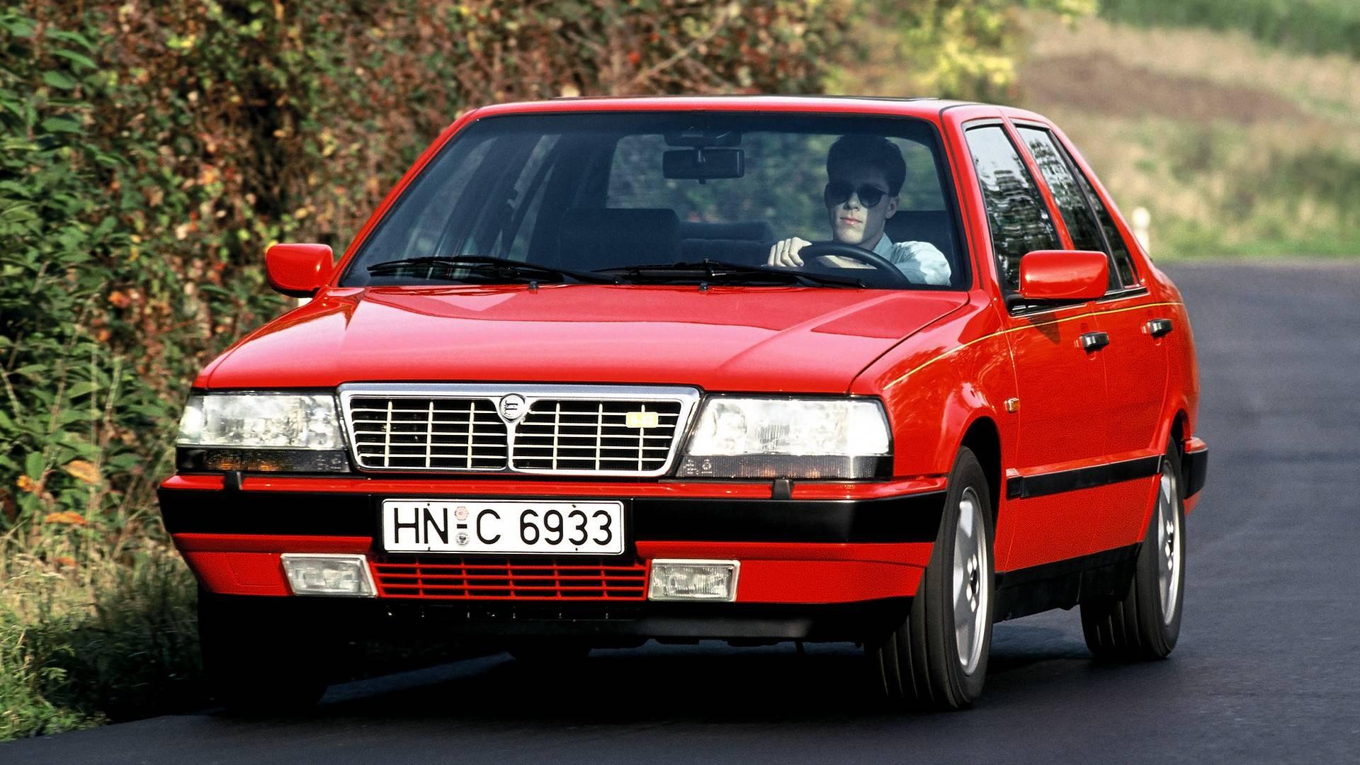 Automobilski dragulj dana: Lancia Thema sa Ferrarijevim V8 motorom (VIDEO)