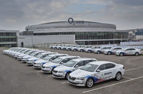 150423-The-new-SKODA-Superb-in-IIHF-Fleet-000-1440×976